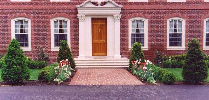 Custom Garden Designs - About Formal Landscaping